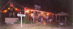 martians_cafe_outside2
