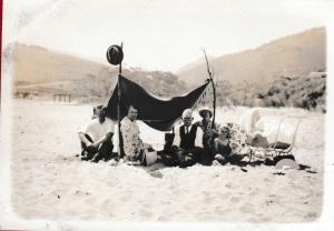Beach picnic Skenes Creek c 1938 fricke b